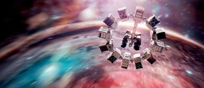 A scene of the movie, Interstellar by Christopher Nolan shown the spaceship, Endurance.